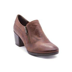 BareTraps Kelyn Ankle Block Heel Boots